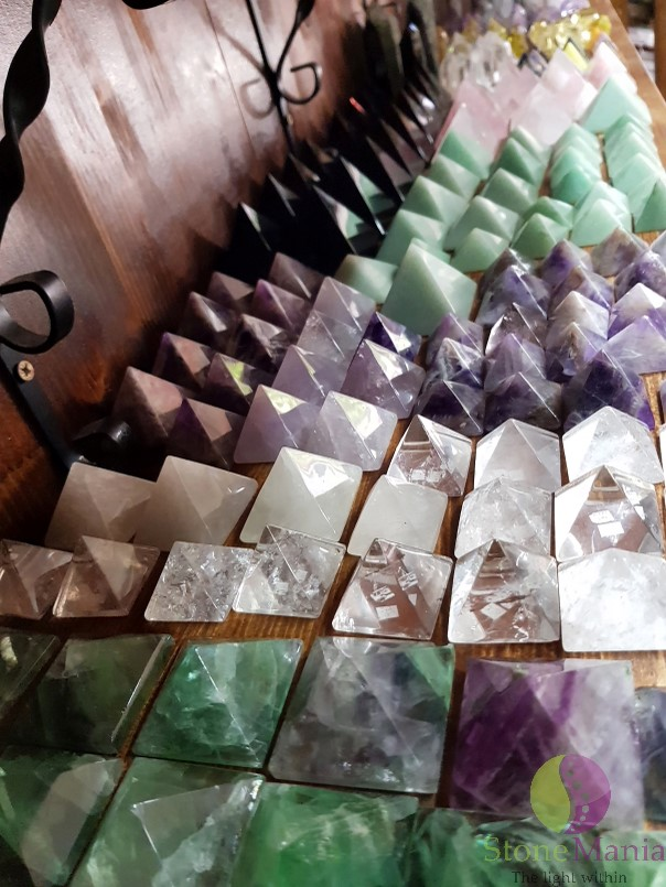 Varfuri si piramide pietre semipretioase naturale