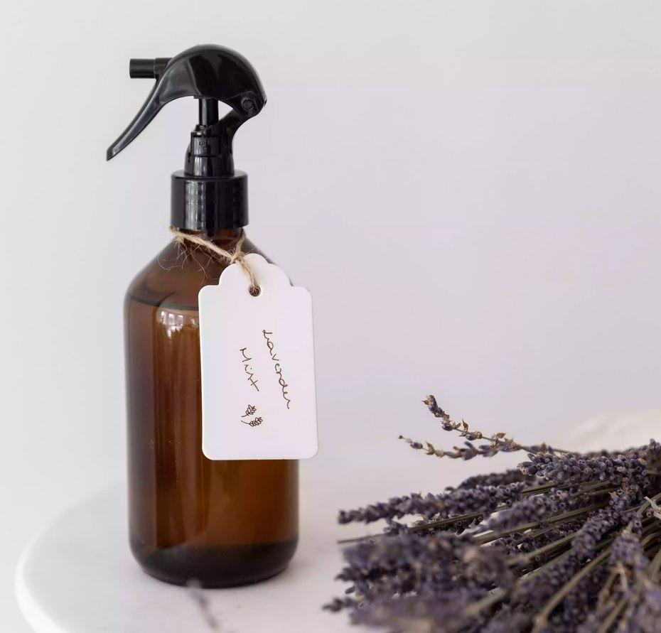 Cum putem utiliza lavanda in propria casa-parfum