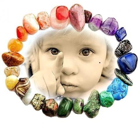 Cele 10 cristale vindecatoare pentru copii