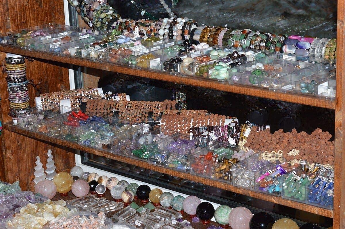 Magazin pietre semipretioase StoneMania Bijou Bucuresti 38