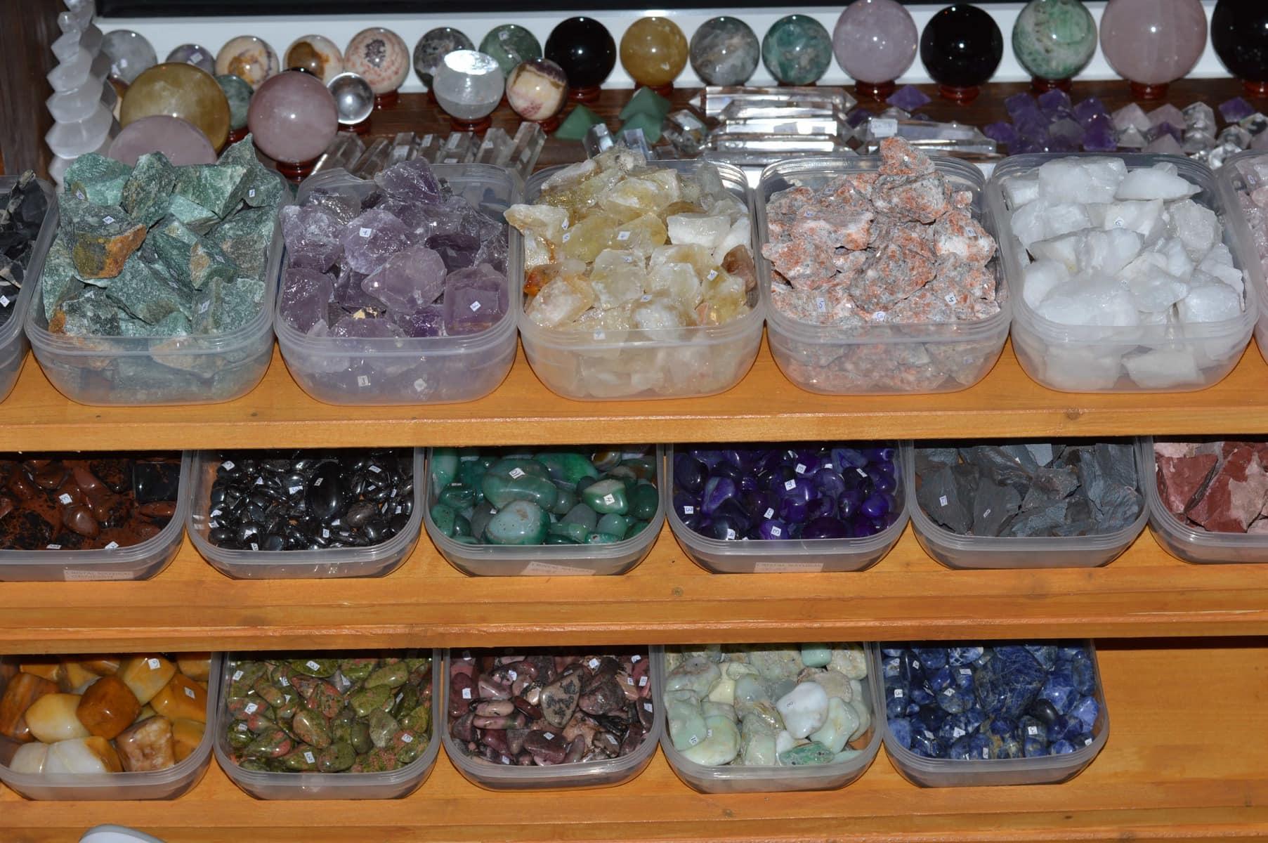 Magazin pietre semipretioase StoneMania Bijou Bucuresti 40