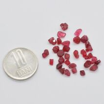 Spinel rosu brut 3-4mm
